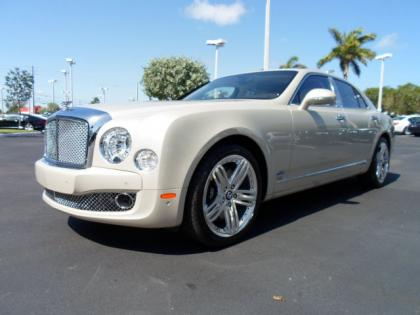 2012 BENTLEY MULSANNE BASE - PORCELAIN ON WHITE