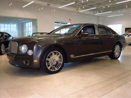 2013 BENTLEY MULSANNE BASE - BLACK ON WHITE 1