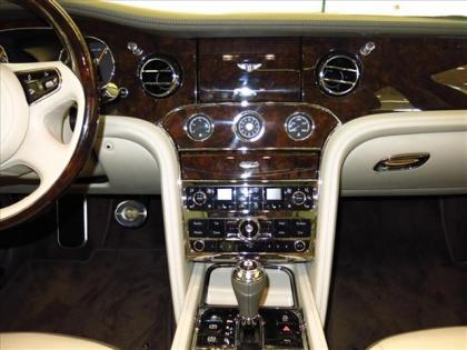 2013 BENTLEY MULSANNE BASE - BLACK ON WHITE 5