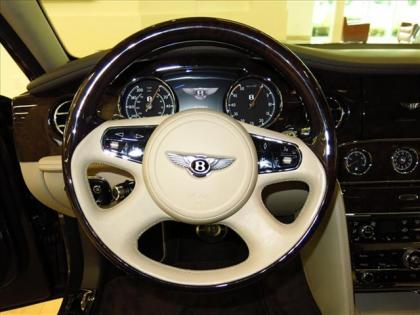 2013 BENTLEY MULSANNE BASE - BLACK ON WHITE 6