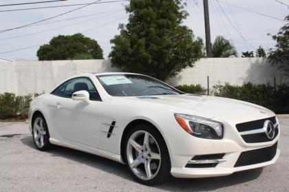 2013 MERCEDES BENZ SL550 BASE - WHITE ON RED