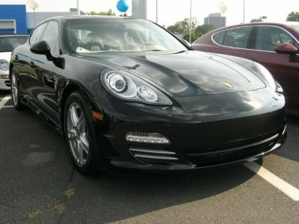 2013 PORSCHE PANAMERA 4 - BLACK ON BEIGE
