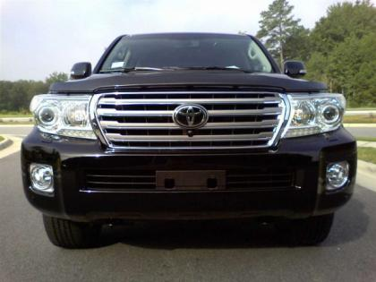 2013 TOYOTA LAND CRUISER V8 - BLACK ON BLACK