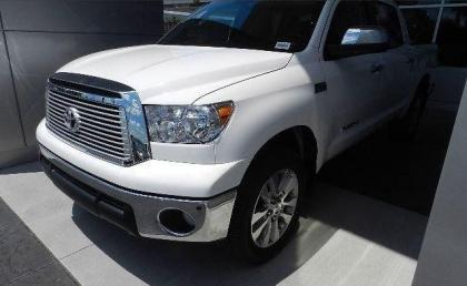 2013 TOYOTA TUNDRA PLATINUM - WHITE ON BEIGE