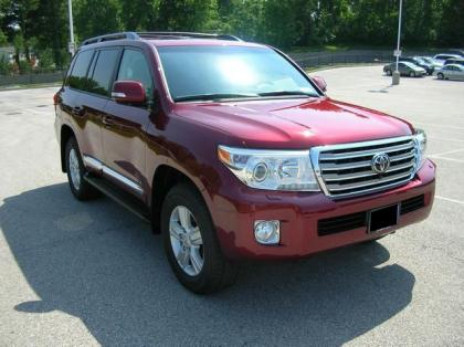 2013 TOYOTA LAND CRUISER V8 - RED ON BLACK