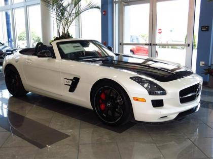 2015 MERCEDES BENZ SLS AMG - WHITE ON BLACK