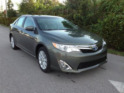 Export New 2012 Toyota Camry Hybryd Xle Green On Grey