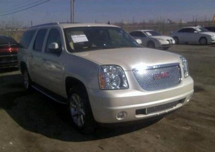 2013 GMC YUKON DENALI XL - WHITE ON BEIGE