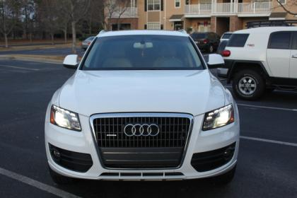2012 AUDI Q5 2.0T PREMIUM PLUS - WHITE ON BEIGE